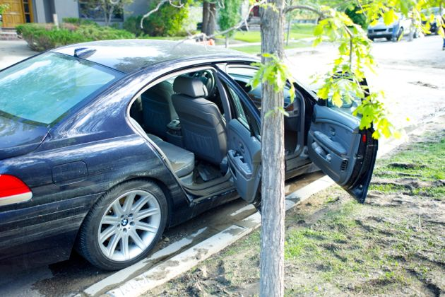 First glimpse of a car that had been under water for days - Calgary Flood
